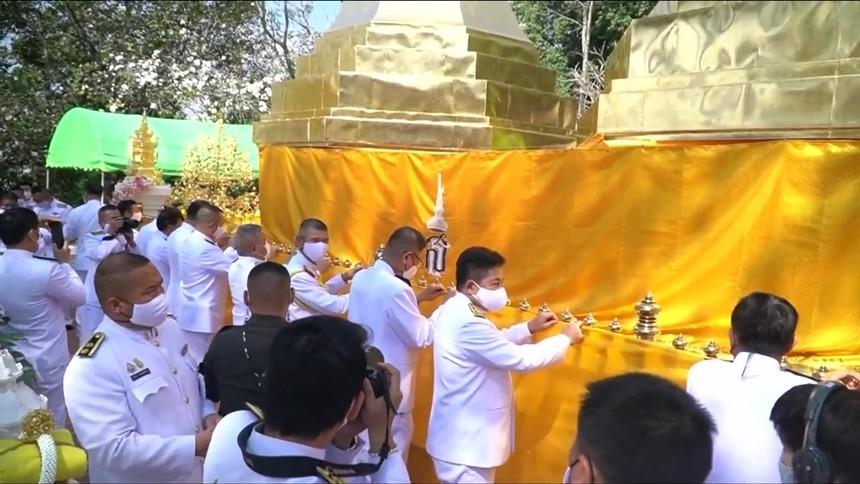 ผู้ว่าฯเชียงราย เชิญน้ำสรงพระราชทาน-ผ้าไตรพระราชทาน นมัสการ สรงน้ำพระธาตุดอยตุง 2564